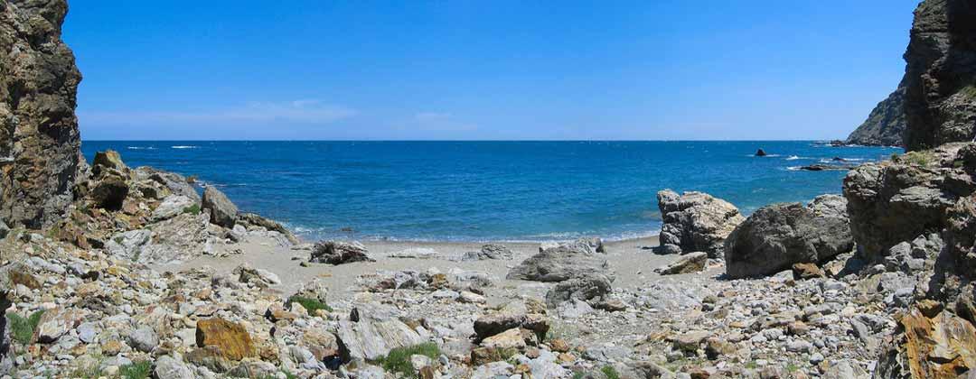 Moniteur guide de pêche professionel dans le parc naturel marin du Golfe du Lion. Formation à la pêche en mer