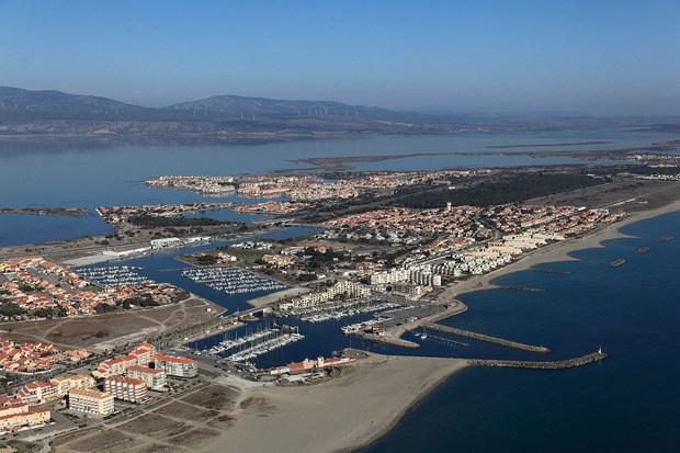 Le port du Barcarès et la lagune de Salses Leucate